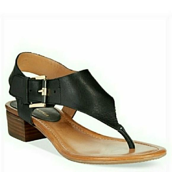 9f4bfbf28e22b6 🆕Tommy Hilfiger Block Heel Thong Sandals